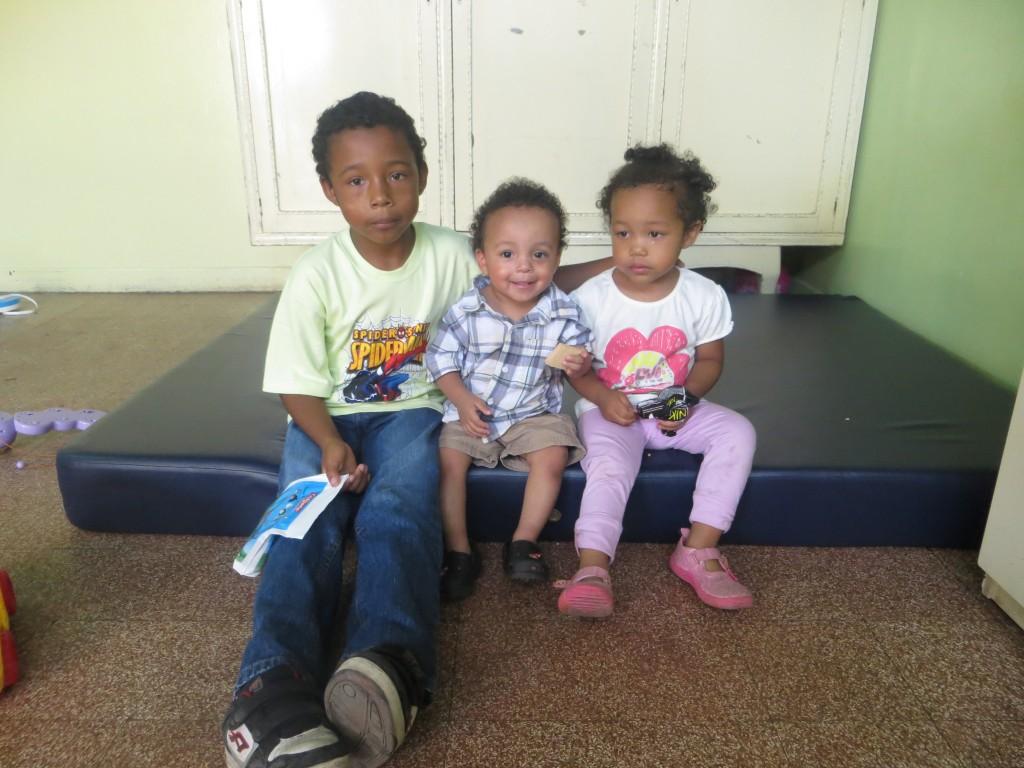 Junior, Yuri, Amparo
