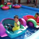 3 Auch ein kleines Schwimmbecken und Hüpfburgen wurden aufgebaut